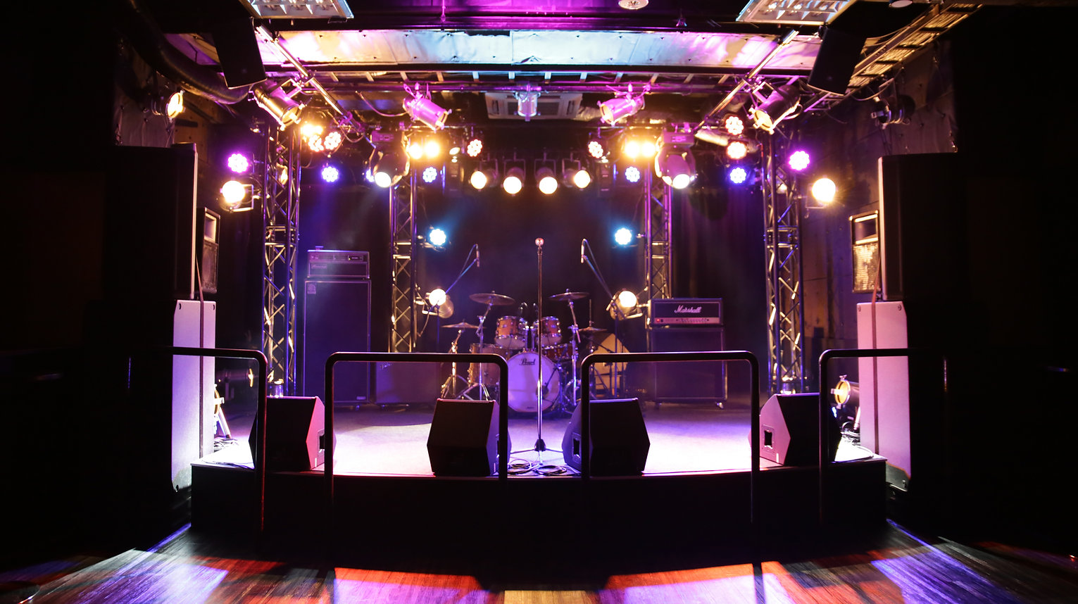 Gold Sounds STAGE.jpg