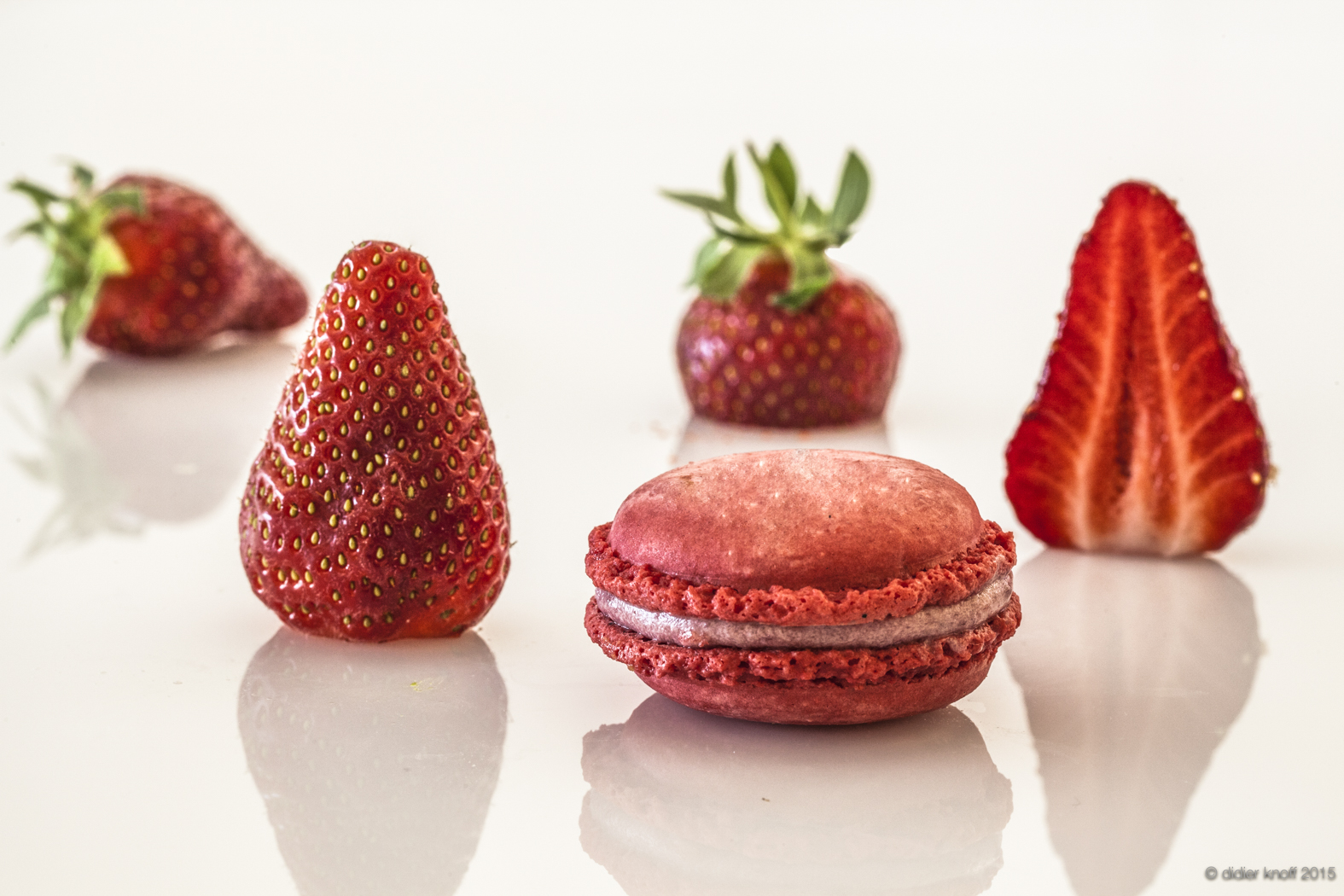 MACARON fraise.jpg
