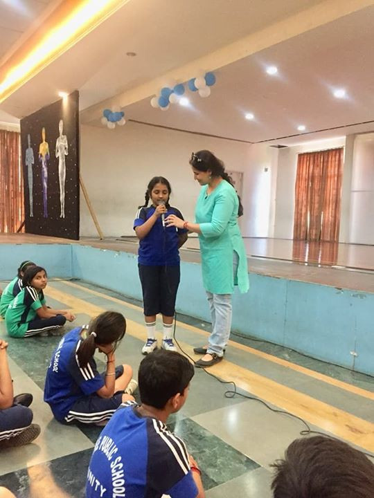 interactive life skills talk for students, being conducted by Anupam (talwar) kohli