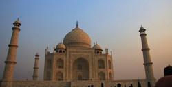 Sunrise on Taj Mahal