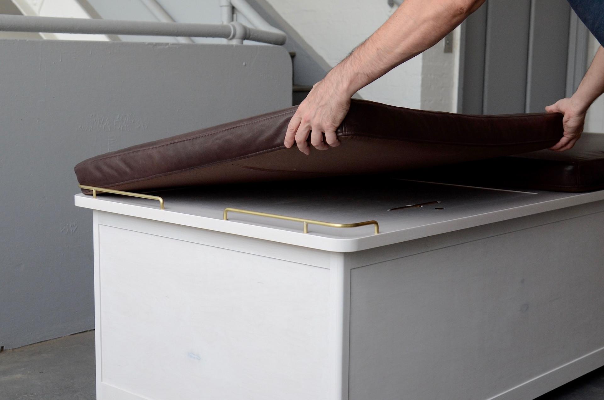 morris-cabinet-bench-4160.jpg