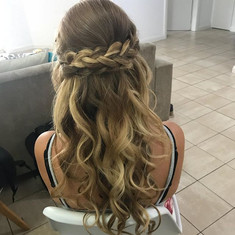 Bridesmaid Hair ❤️.jpg