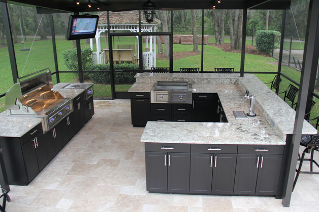 Custom U Shaped Outdoor Kitchen w/ Santa Cecilia Granite Top