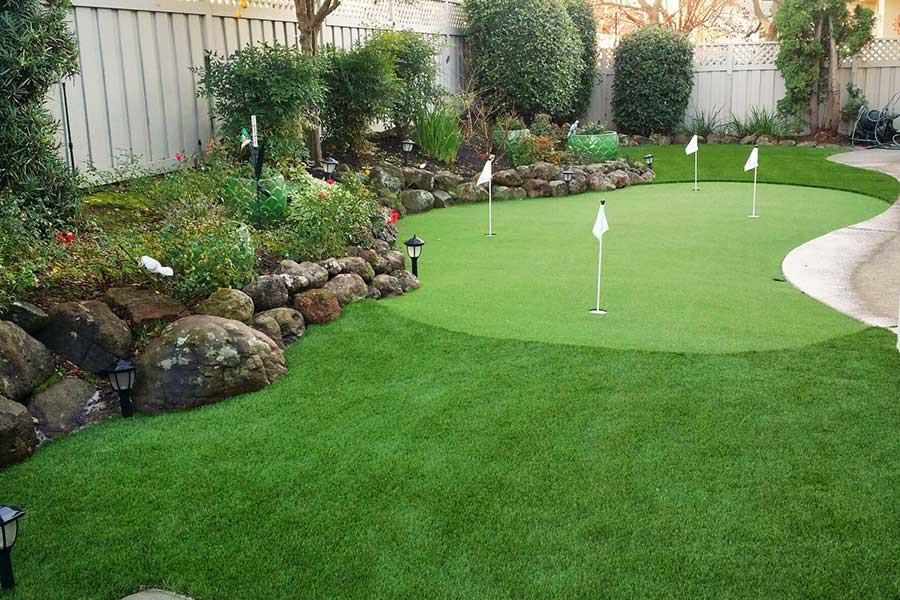 Custom Synthetic Putting Green w/ Natural Setting