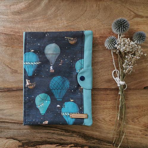 Protège carnet de santé collection montgolfière dans les étoiles