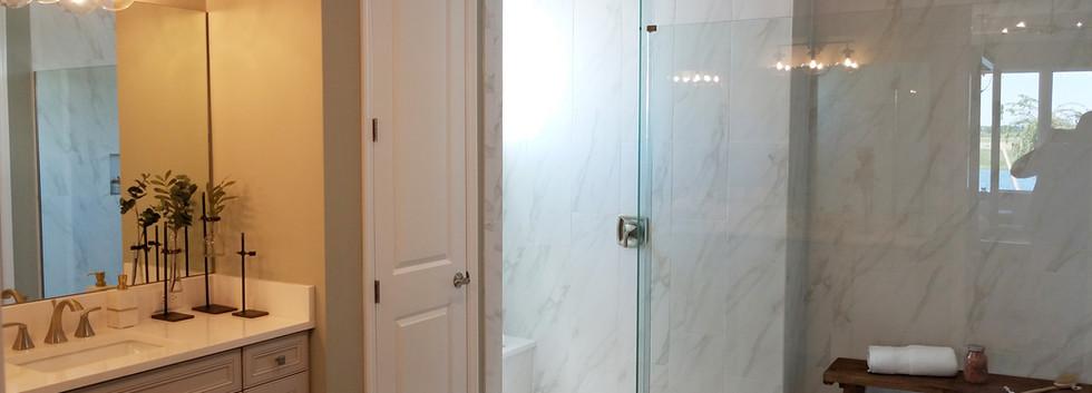 Worthington model home bath