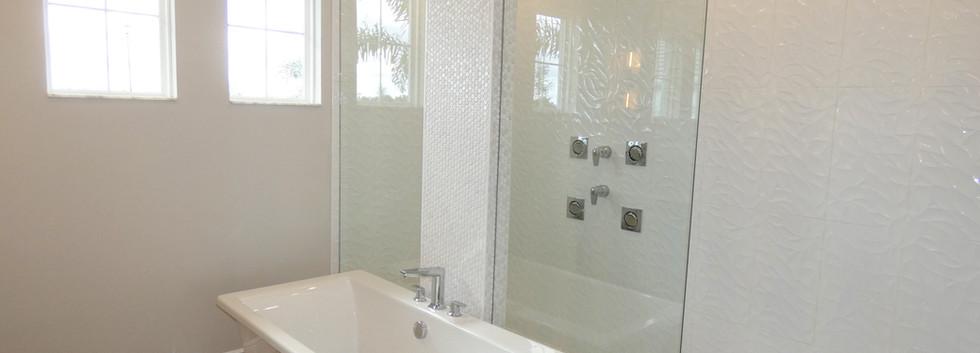 Cardel Homes master bath in Worthington