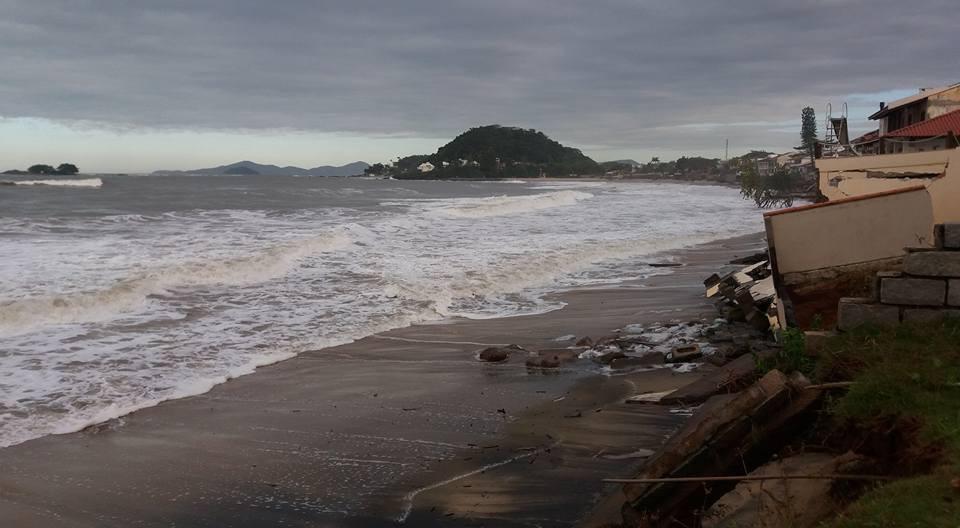 Ressaca em Itajuba Barra Velha