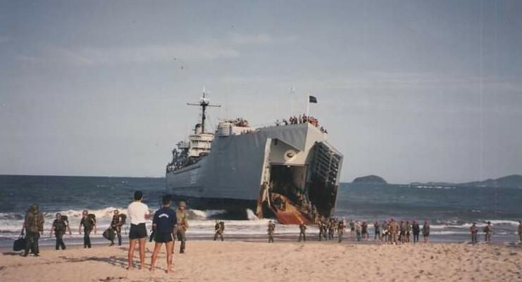 Em novembro de 1975 realizou-se na orla dos municípios de Barra Velha, Piçarras e Penha, uma manobra simulada de guerra entre o Exército e a marinha.