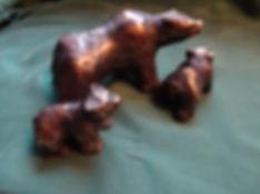 Grizzly defending cubs, Bronze 1kgDSC001