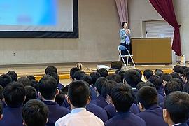 中学校で睡眠講演会