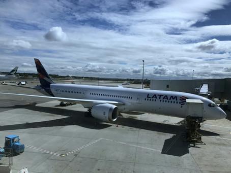 Companhia aérea é condenada a pagar indenização de R$ 8 mil por cancelamento de voo