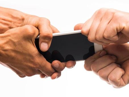Justiça reconhece dano moral coletivo e condena empresa de telefonia por cláusula abusiva