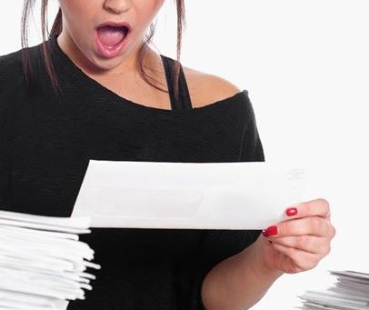 Consumidora vítima de fraude é indenizada em R$ 15 mil por negativação indevida
