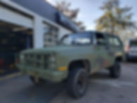 This is a picture of an old military version of the Chevy Blazer, equipped with the 6.2l diesel engine.
