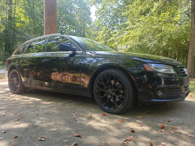 A gorgeous Audi A4 Avant after getting upgraded rims and tires installed