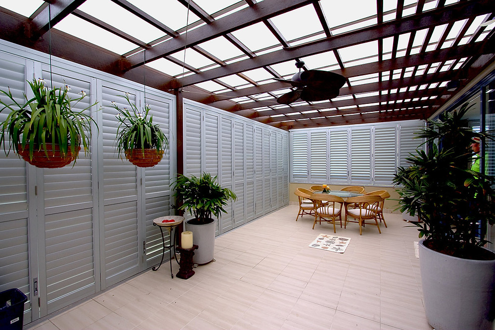 Alfesco room shutters