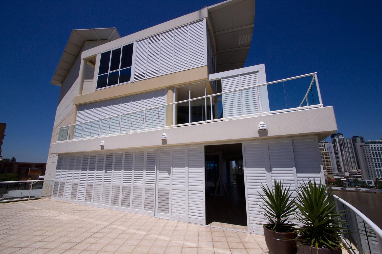 cosmopolitan-shutters-blinds-043
