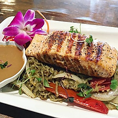 Grill Salmon with Spicy Moroheiya