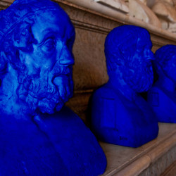 009 BLUE PHILOSOPHER HEAD