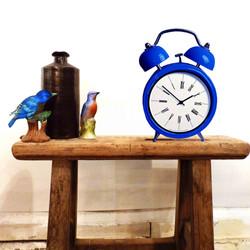 014 VINTAGE BLUE CLOCK