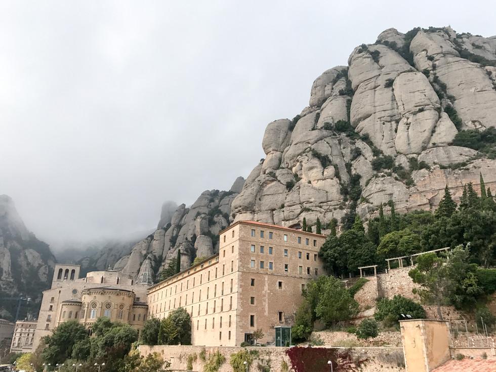 Monestir (Monastery) de Montserrat: A Barcelona Day Trip