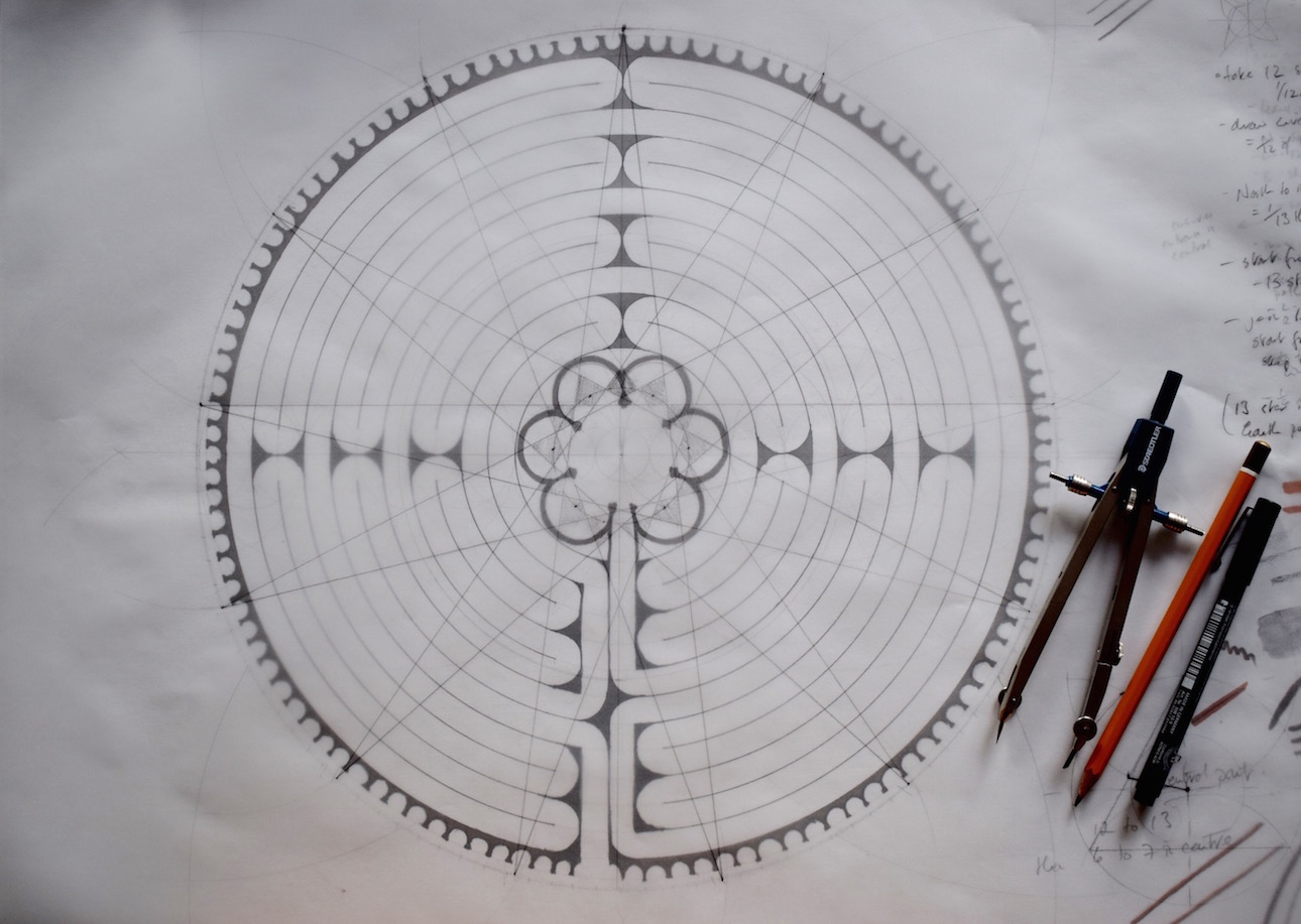 Learn to draw the Chartres Labyrinth
