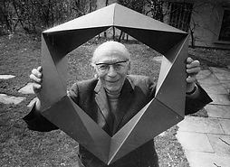 Paul Schatz with Invertible Cube