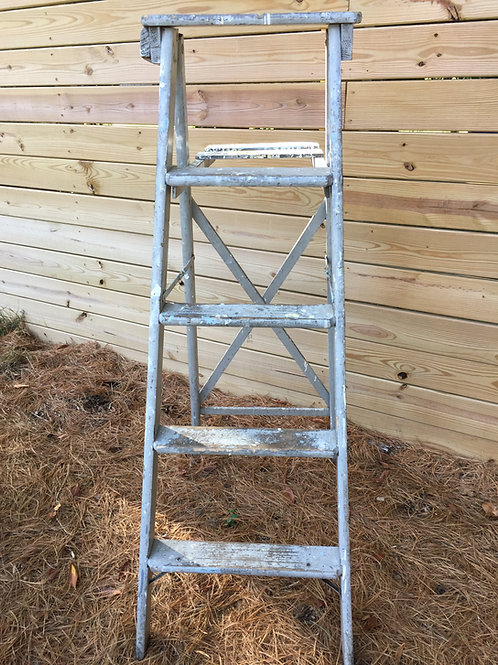 Antique 4-Rung Step  Ladder