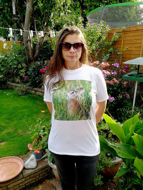 T-shirt - 'Young Rabbit in the meadow'