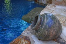 custom+pools+and+spas
