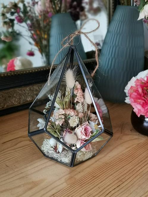 Terrarium de fleurs séchées