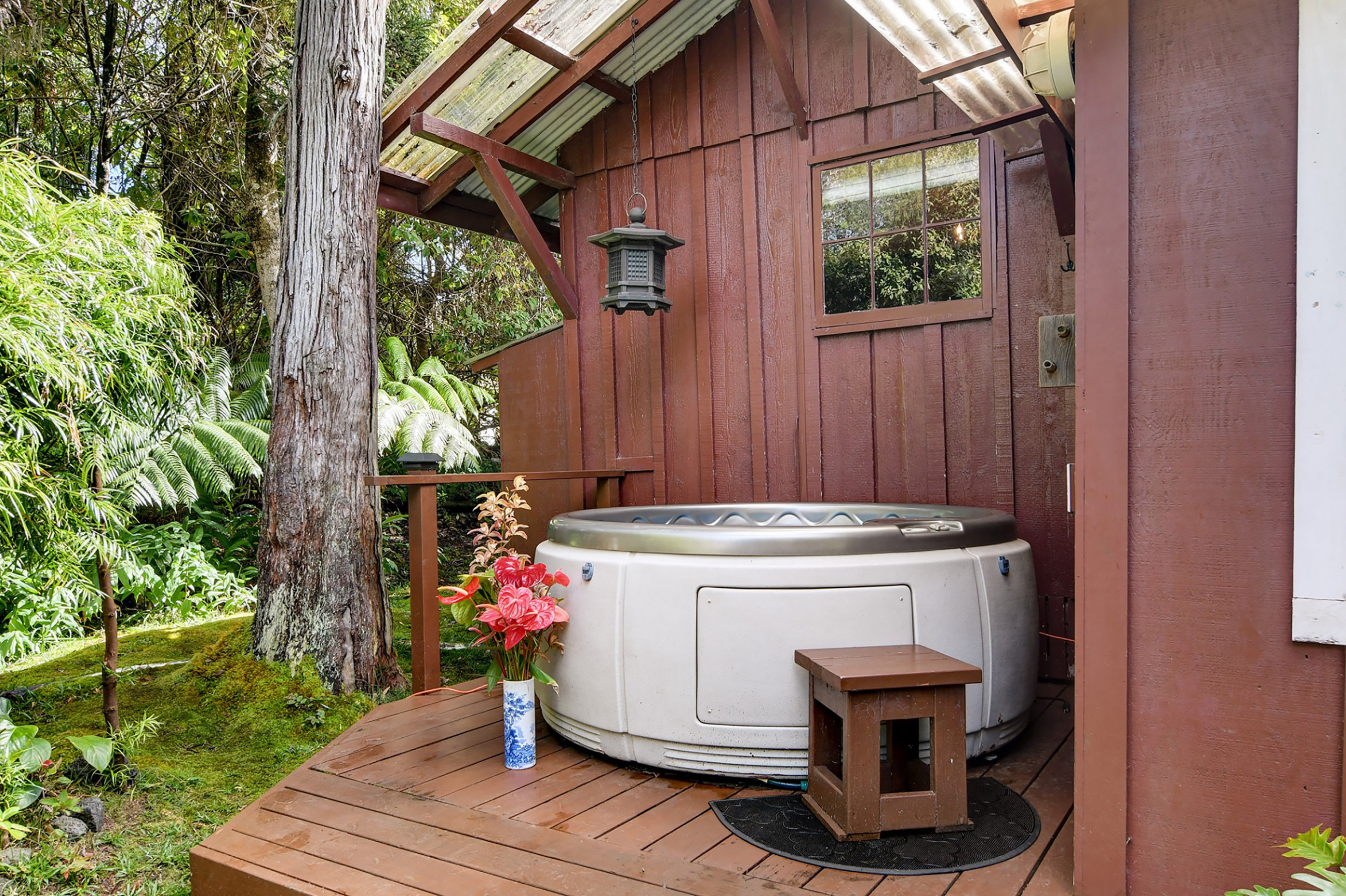 Cottage Hot Tub