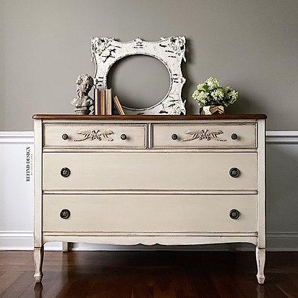 Antique Hepplewhite Dresser/Buffet