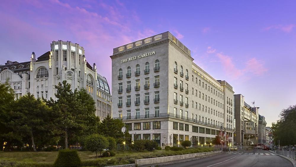 מלון 5 כוכבים - The Ritz-Carlton, Budapest