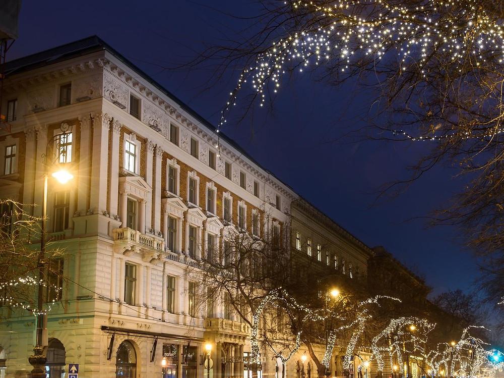 מלון 4 כוכבים - Hotel Moments Budapest