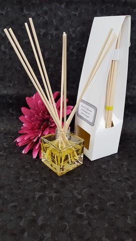 Reed Diffuser - Lemongrass & Ginger.jpg