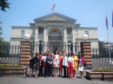 #MisiónArmenia: Un día presidencial