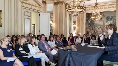 Disertaciones sobre empoderamiento de la mujer