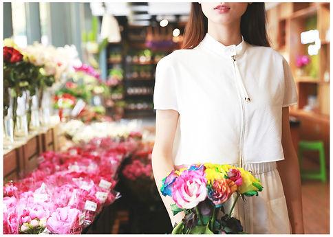 girl%EF%BC%8Cflower_edited.jpg