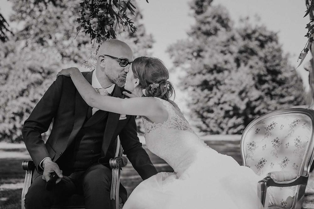 photo céréominie laïque de mariage au chateau de lagord (17)