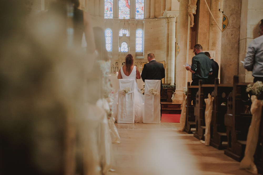 couple-mariage-niort-eglise-messe-religieuse-marier