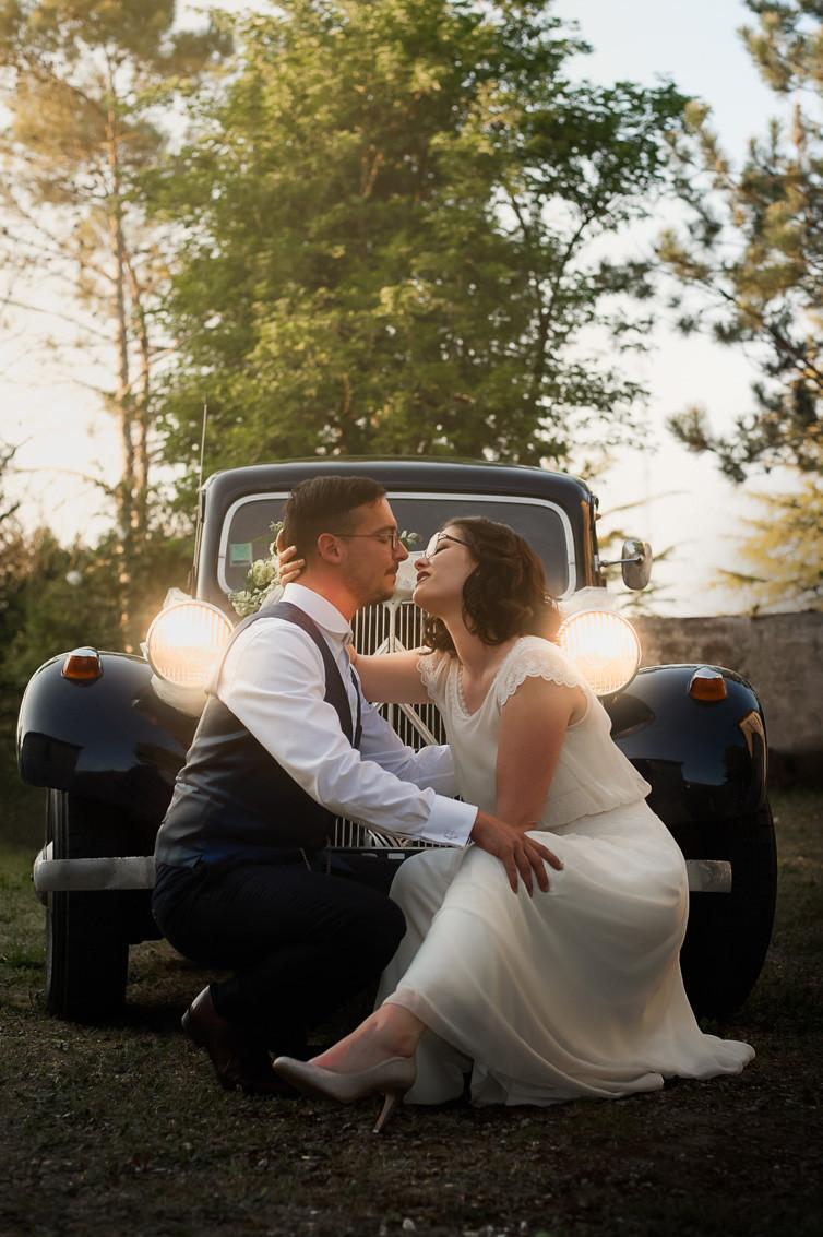 photo de mariage voiture ancienne au chai pelletant archiac