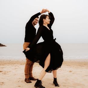 A&G • Photos de couple à la plage { La Rochelle }