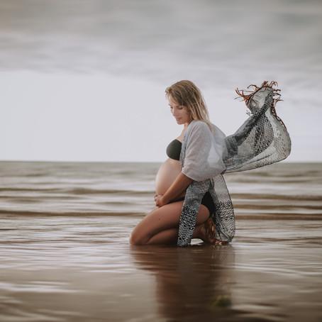 Une séance photo de grossesse sur l'Ile de Ré