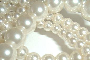 Pearl and bead stringing at Precious Metals Sudbury