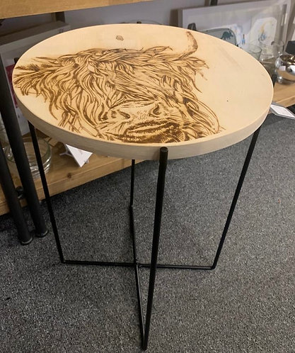 Oak wood table - etched highland cow