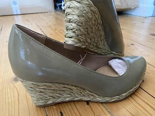 Marco Tozzi Moss wedges