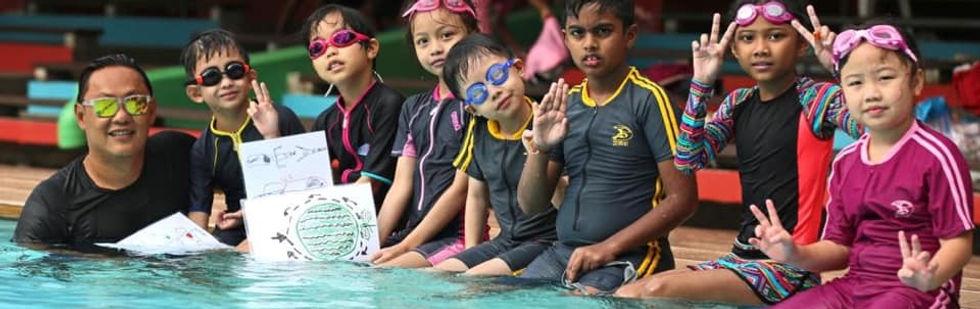 bigstarfish swimming