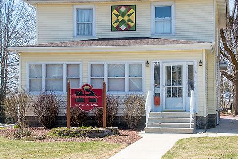 Farmhouse Eatery & Gifts